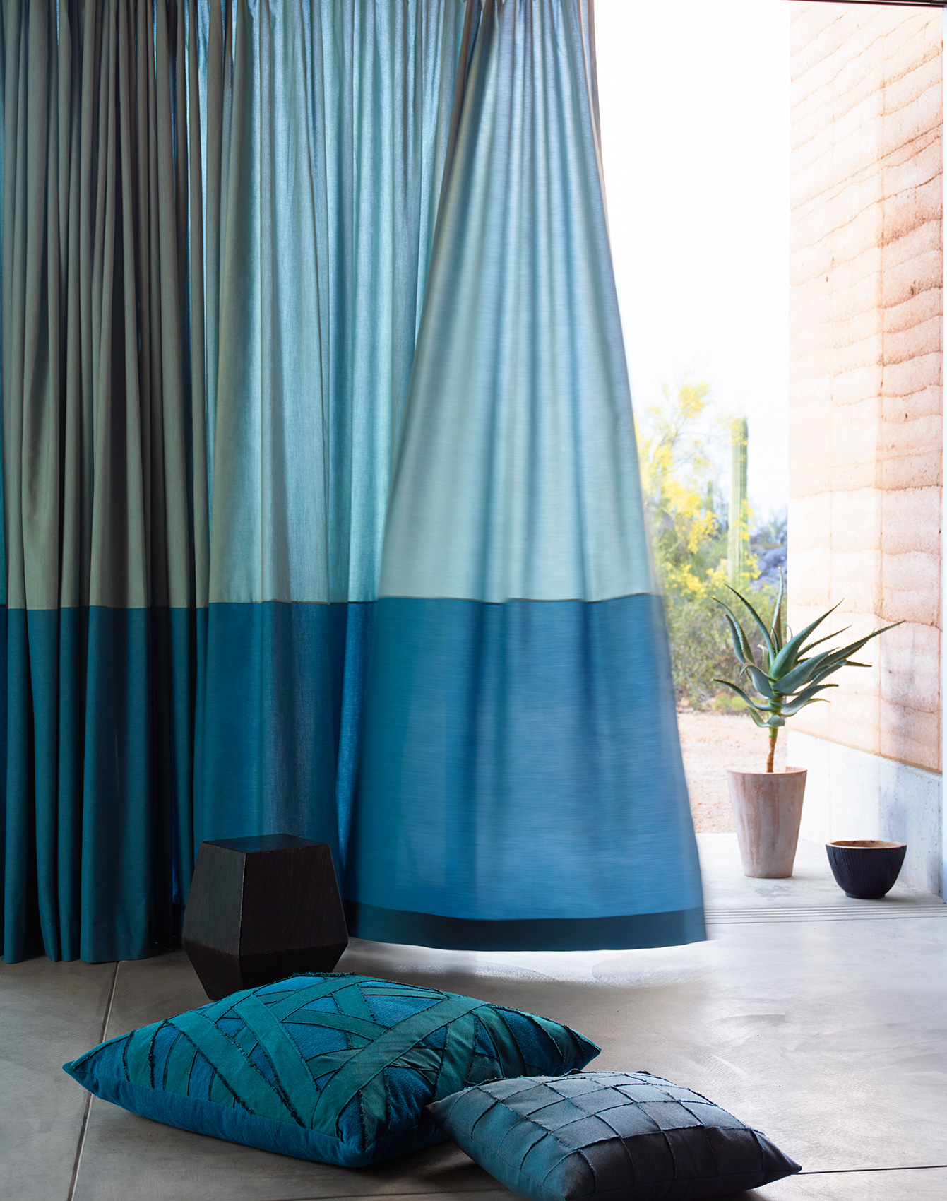 Sunbrella: Curtain